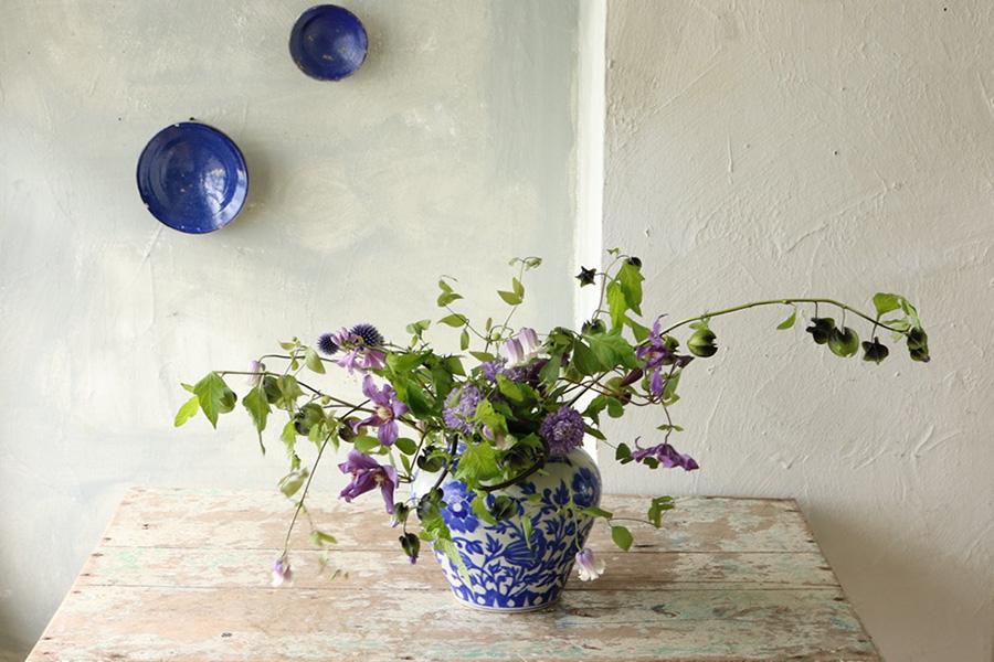 花とアンティークと 第2回(前編)|青い花、青い器 フラワーノリタケ&Tisane infusion