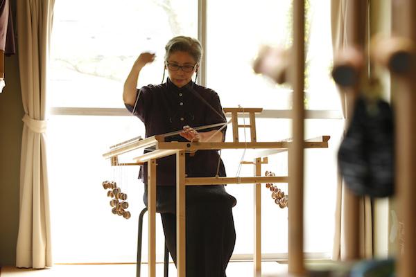 多田牧子さん(前編)|『うつくしい組ひもと小物のレシピ』。日本の伝統工芸、「組む」という技術で、暮らしに寄り添う小物をつくる