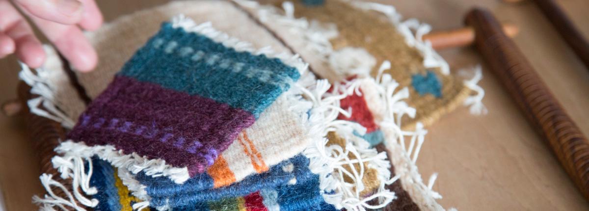 手織り(前編)|縦糸と横糸の静かな交わり。少しずつ模様が浮き上がってくる喜びと達成感。講師:ichi.coさん