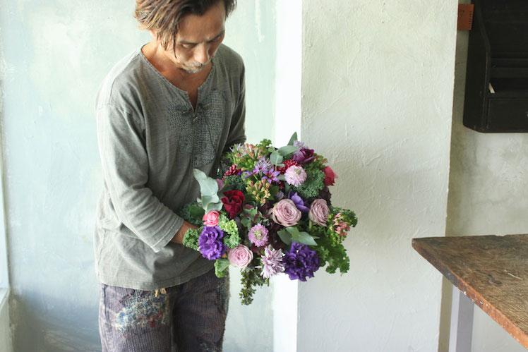 花とアンティークと 第4回(前編)|ハロウィンのアレンジメント  フラワーノリタケ&Tisane infusion