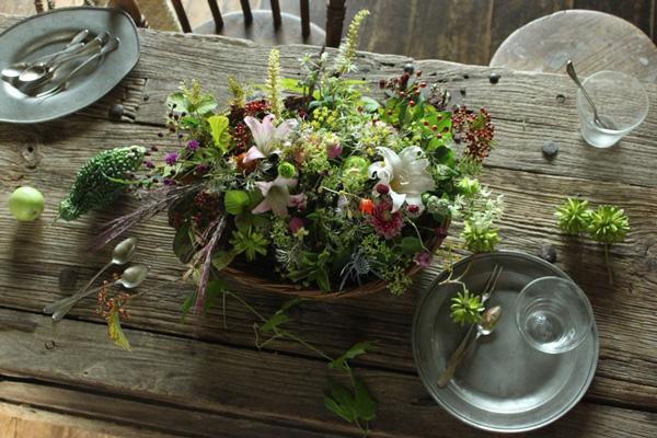 花とアンティークと|フラワーノリタケ&Tisane infusion 第3回 秋の草花をかごや雑器に生ける(前編)