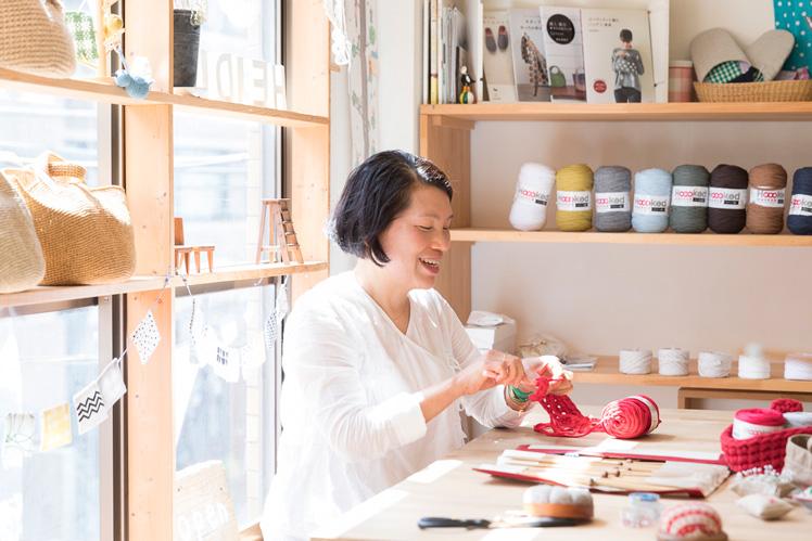青木恵理子さん(後編)|針と糸さえあれば、小さなスペースでも始められる。それが編み物のいいところ。