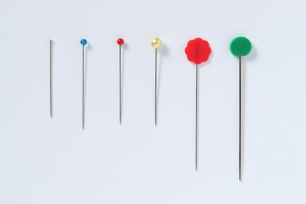 第7回 待ち針とクリップ(前編)|長さ28mmの待ち針がミシンにも手縫いにも小物づくりにもちょうどいいです。
