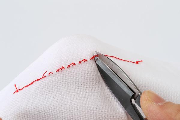 第8回 ほどくということ(後編)|手縫い、ミシン、刺繍。縫われ方や糸の密度によって、ベストなほどき方があります。