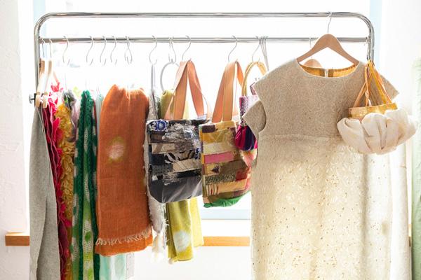 つくりら文化祭*開催レポート05 | まとう服、飾る布、持つバッグ。日々を彩るテキスタイルを探す愉しみ。