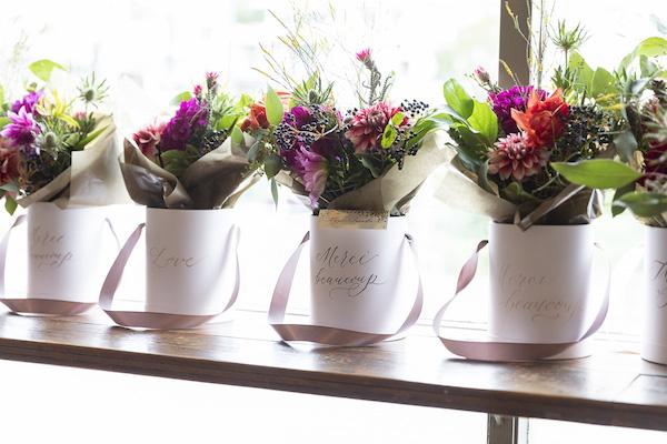 つくりら文化祭*ワークショップレポート06 | 花とカリグラフィーと美味しいお料理と。島野真希さん&前田有紀さんの世にも美しいボックスアレンジメント。