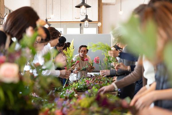 つくりら文化祭*ワークショップレポート14 | 異なる2つの表情が楽しめる!フラワーノリタケさんの草花ブーケとワイルドスワッグ
