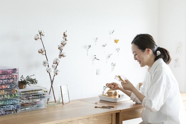 池田みのりさん(前編)|刺繍の世界に新風を吹き込む、洗練された連続模様のカウントステッチ