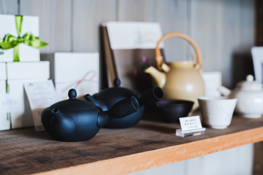 晴代さんのシンプル生活のつくり方。第8回(前編)|地元静岡の茶葉も扱う、オシャレなお茶のアトリエ「L'atelier du thé KUKAI」