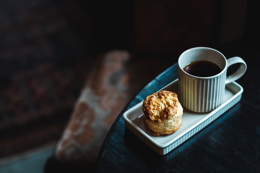 晴代さんのシンプル生活のつくり方。第8回(後編)|お茶好きにはたまらない!「L'atelier du thé KUKAI」さんの美しい器と美味しい焼き菓子