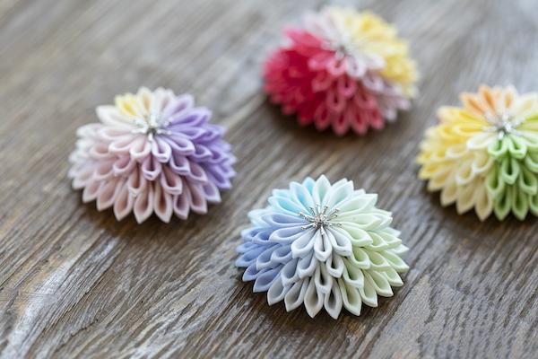 鳥待月さん(前編)|つまみ細工は日本の伝統工芸。だからこそ、普段づかいに欲しくなる、心ときめくアクセサリーに仕立てます。