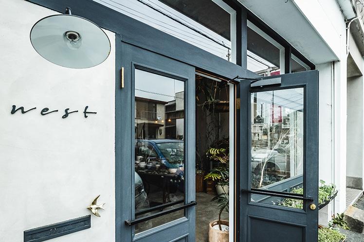 晴代さんのシンプル生活のつくり方。第10回(前編)|グリーンとドライフラワーの店「nest」のおしゃれ可愛いインテリア