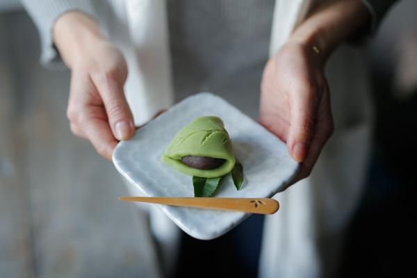 二十四節気 暦のレシピ 第2話 穀雨|八十八夜にちなんだお菓子、「お茶の葉の練り切りあん」