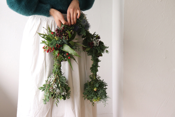 つくりら主催ワークショップ フラワーノリタケさんの「クリスマスの七変化ガーランド」と「ハーブの森のセンターピース」