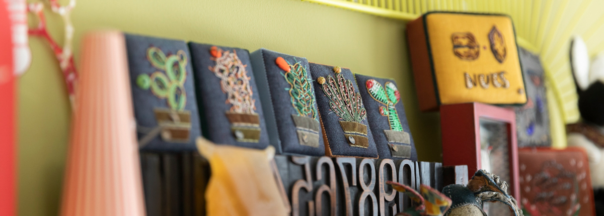 倉富喜美代さん(前編)|きらめく糸の伝統刺繍・ゴールドワークを取り入れた、独創的な刺繍作品