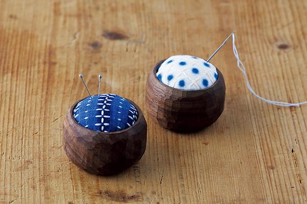 針仕事のお供に 伝統模様でつくる 花十字刺しの針山