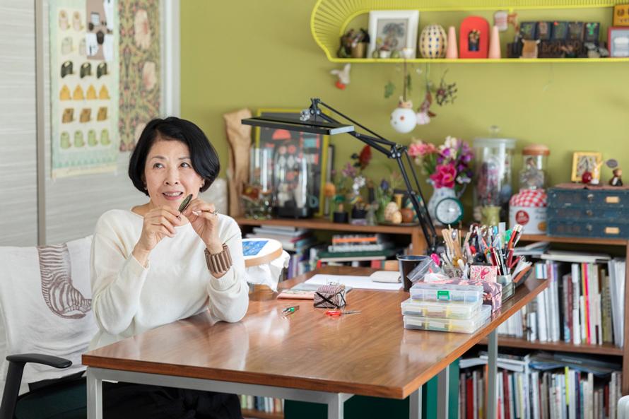 倉富喜美代さん(後編)|素材を楽しみ、自由に刺して。軽やかなゴールドワーク刺繍を暮らしの中に