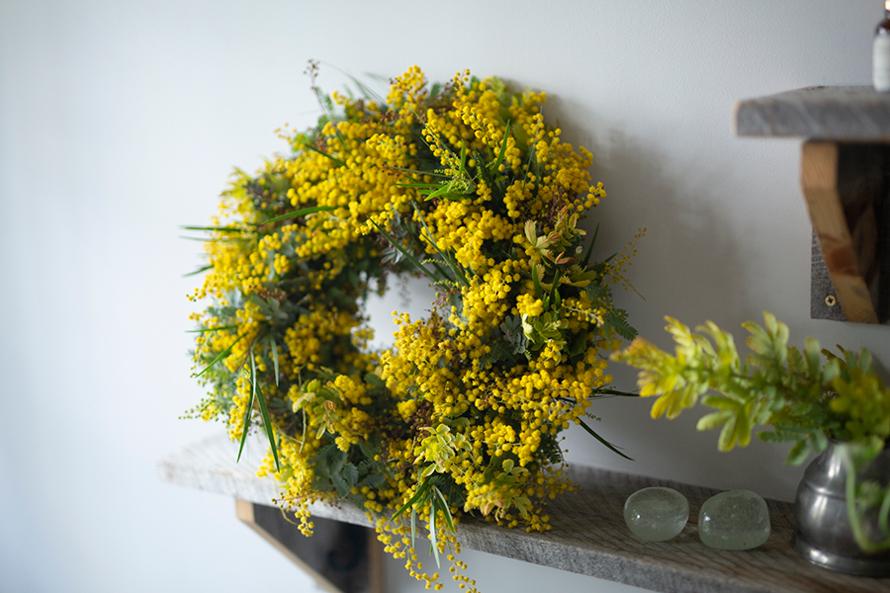 幸せを呼ぶ早春のミモザリース|二十四節気 暦のレシピ 第22話 雨水