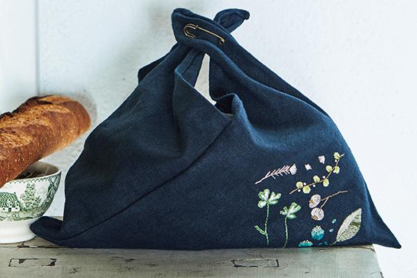 刺繡するのも仕立てるの楽しい 草花のあずま袋