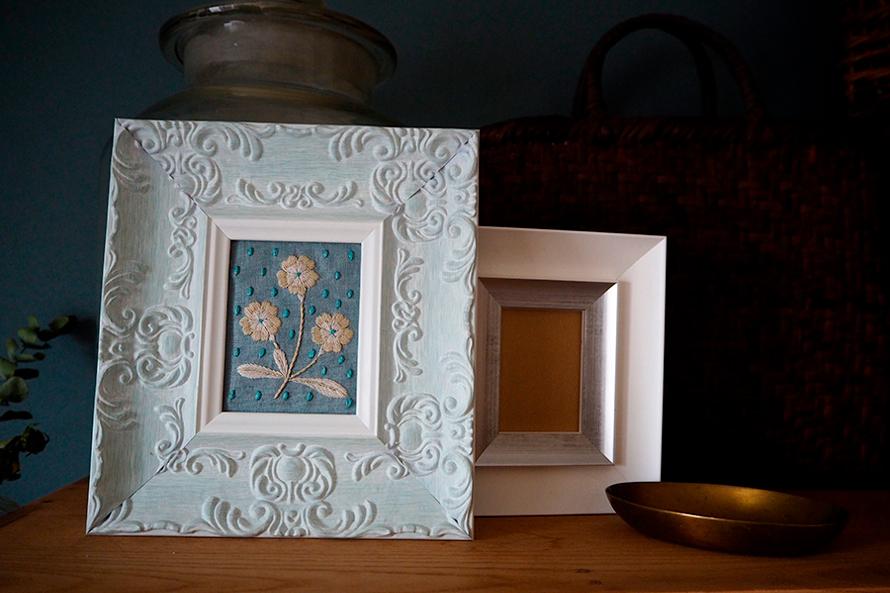 植物刺繍と季節のお話 第10話(前編)|装飾フレームと白い花