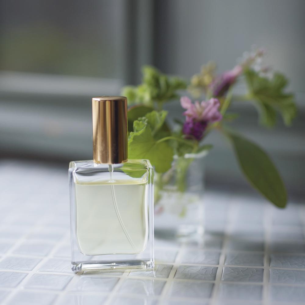 草原のアロマ香水『二十四節気 暦のレシピ』より