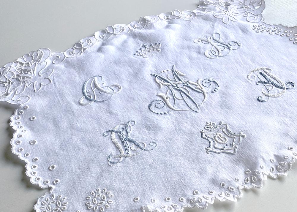 中野聖子さん「笑う刺繍」作品展