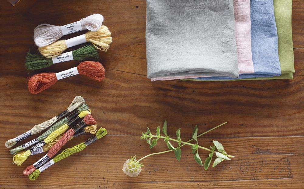 『植物刺繡と12か月のおはなし』より